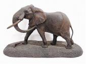 ロバート・グレン 彫刻作品「象」