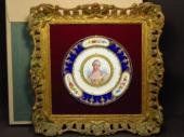 セーブル 金彩コバルト飾皿 マリー・アントワネット像