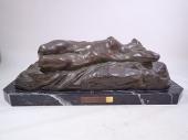 アルフレッド・ピナ ブロンズ像