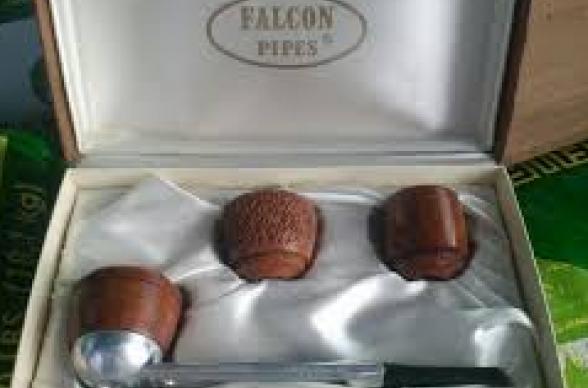 イギリスのパイプブランド~ファルコン