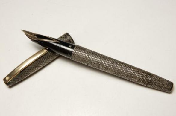 静かなブームを呼んでいる「万年筆」‼高価買取りのコツ教えます!